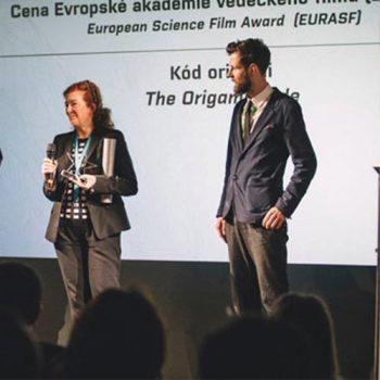 Preisverleihung in Olomouc für den Origami code als besten Europäischen Wissenschaftsfilm